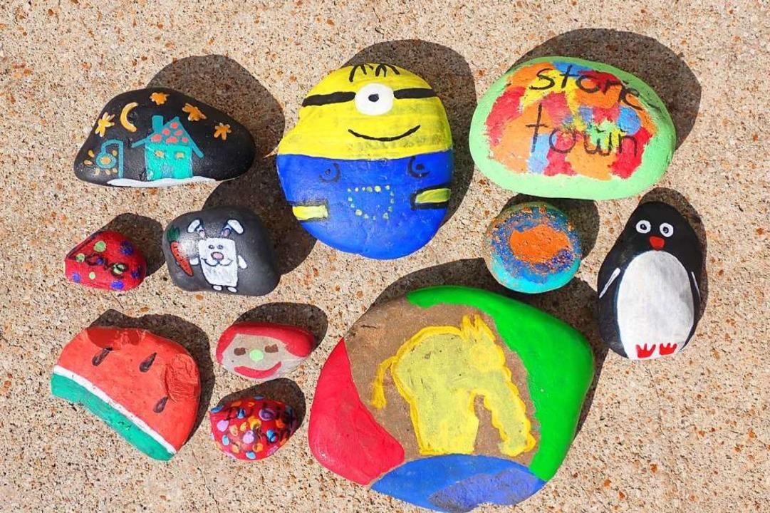 Steine als Kunstwerk – hier ein paar Fundstücke für das Foto arrangiert.  | Foto: Jutta Geiger