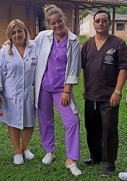 Für Luisa Verfondern (Mitte) und ihre ...n war die schnelle Abreise ein Schock.    Foto: Privat