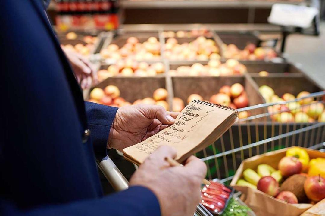 Einkaufen für Menschen in häuslicher I...#8220;, es ist aber nicht die einzige.    Foto: Seventyfour (Adobe Stock)