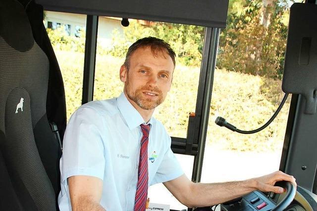 Busfahrer bringt Menschen auch in der Krise zur Arbeit und zum Arzt