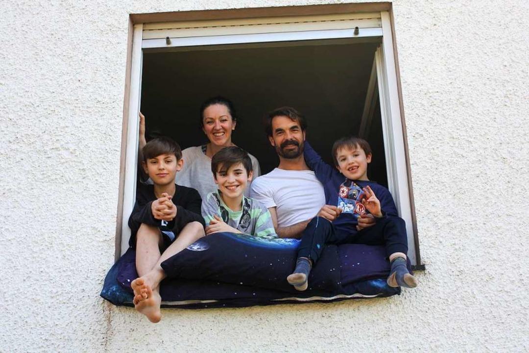 Familie Schuh-Scharnter aus Gundelfing...ilien, in Zeiten von Corona verändert.  | Foto: Gabriele Fässler