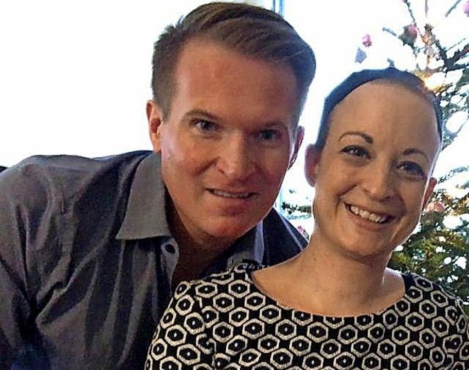 Maik Riedl und seine Frau Sabrina lebe...senen Landesgrenzen  besuchen dürfen.   | Foto: Privat, Riedl