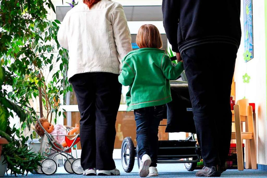 Eine Familie besucht eine Psychosoziale Beratungsstelle (Symbolbild).  | Foto: Jens Büttner
