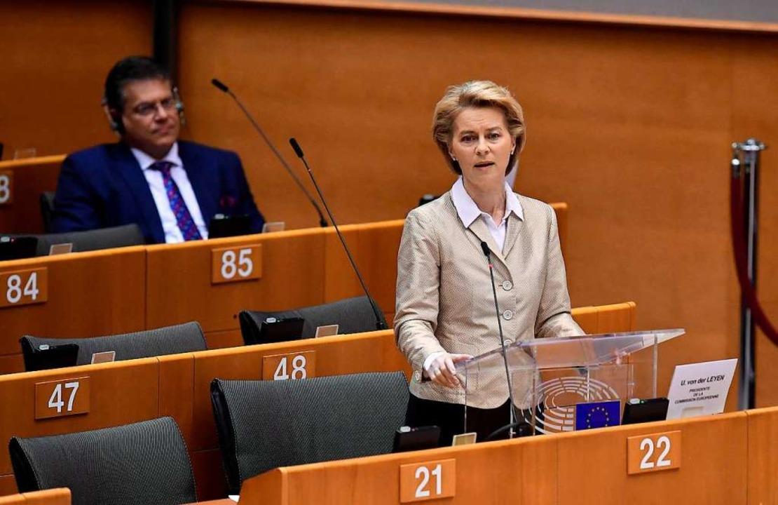 EU-Kommissionspräsidentin Ursula von d...EU-Kommission erst einmal verschieben.    Foto: JOHN THYS (AFP)