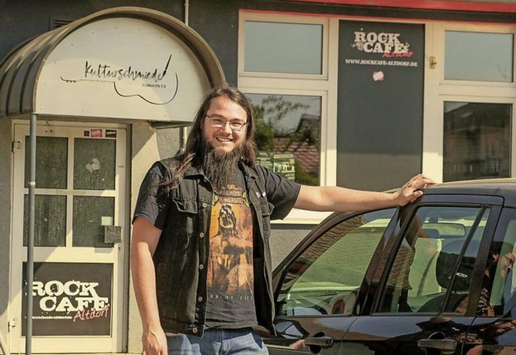 Lars Hummel vor dem Rockcafé   | Foto: Sandra Decoux-Kone