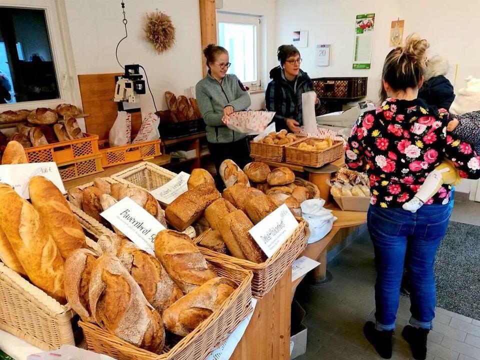 Es liegt was in der Luft: Freitags gibt's frisches Brot im Mühlenladen.  | Foto: -
