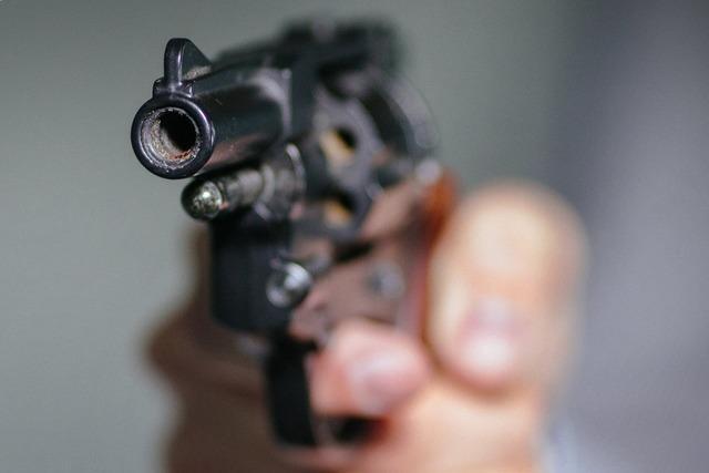 Lahrer schießt wild mit Schreckschusswaffe herum