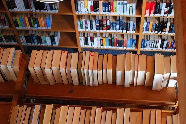 Emmendinger Rathaus und Stadtbibliothek öffnen wieder