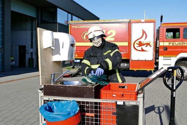 Selbstgebaute Hygienestation soll Marcher Feuerwehr vor Infektionen schützen