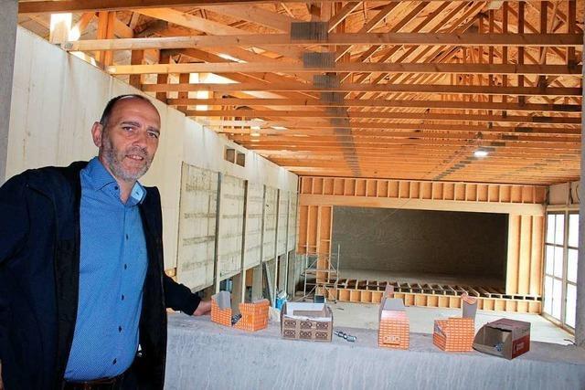 Umbau von Hallenbad und Mehrzweckhalle in St. Peter schreitet voran