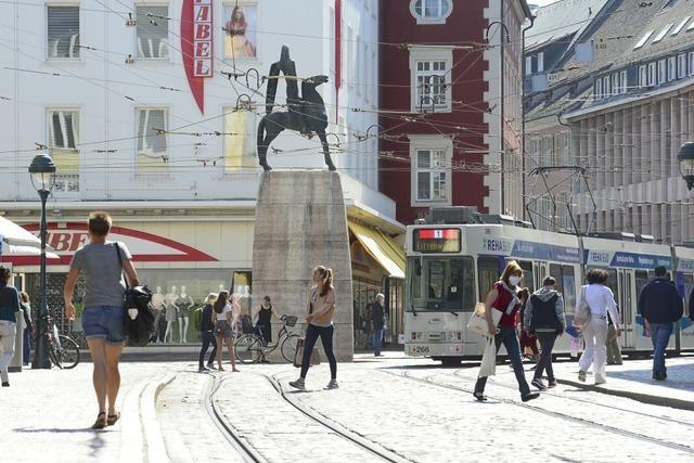 Lockerung der Corona-Regeln belebt die Freiburger Innenstadt
