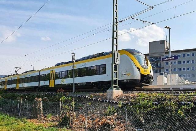 Kein Abstand möglich: Breisacher Arzt zeigt Deutsche Bahn an