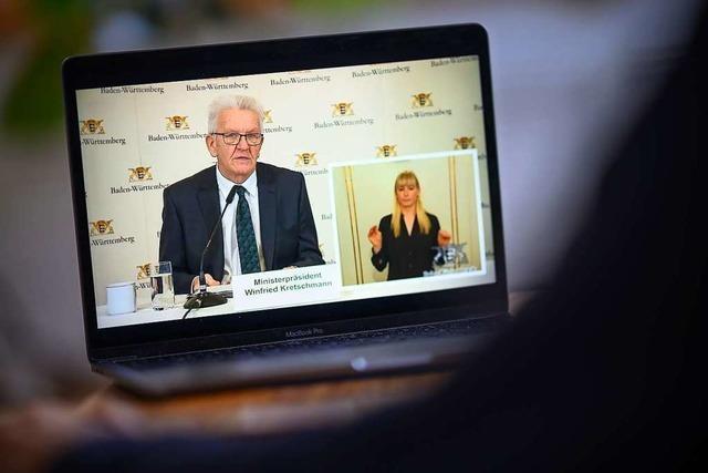 Live: Ministerpräsident Kretschmann informiert über Maskenpflicht