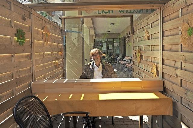 Besuche in Schweizer Altersheimen sind wieder möglich