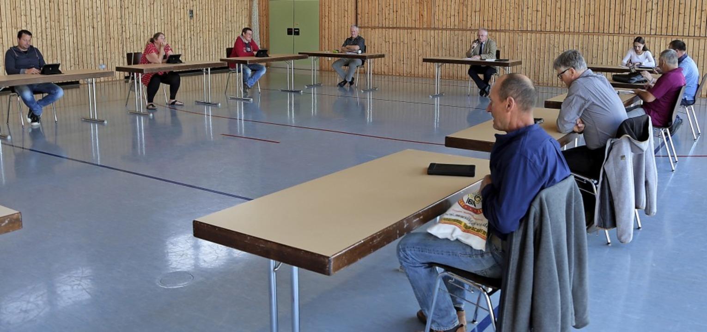 Mit großem Abstand tagte der Forchheim...sthalle – vor nur vier Zuhörern.  | Foto: Martin Wendel