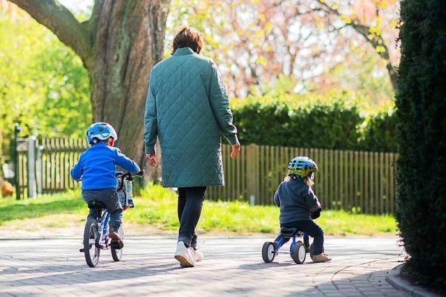 Politik diskutiert längeren Lohnersatz für Eltern wegen Kita-Schließungen