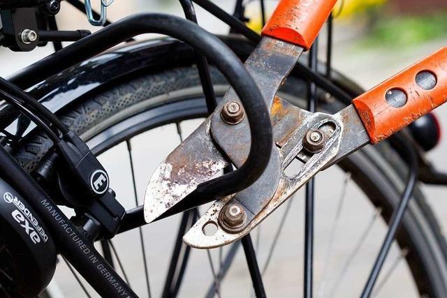 Mann in Freiburg-Littenweiler mit mutmaßlich gestohlenem Fahrrad erwischt