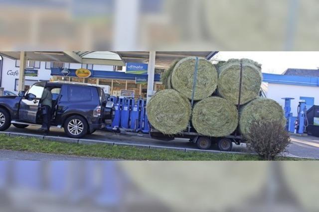Hurra: Hänger voll, Benzin billig
