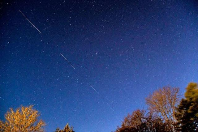 Satelliten am Himmel statt Glasfaser-Kabel in der Erde
