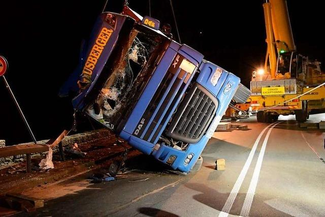 Ersatzverkehr nach Laster-Unfall auf Teilen der Höllentalbahn