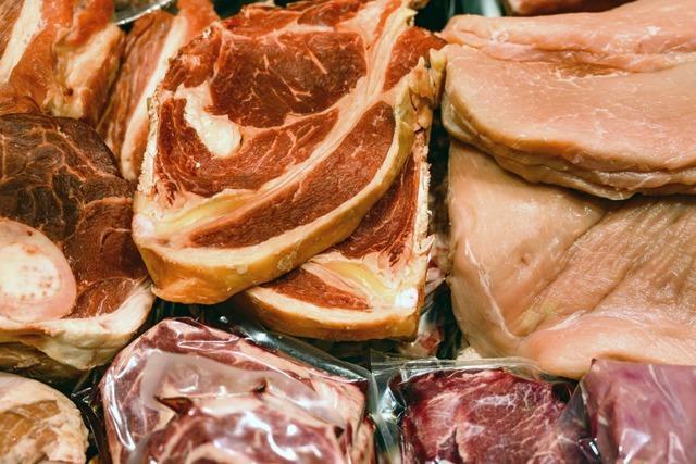 168 Mitarbeiter eines Fleischwerks positiv auf das Corona-Virus getestet