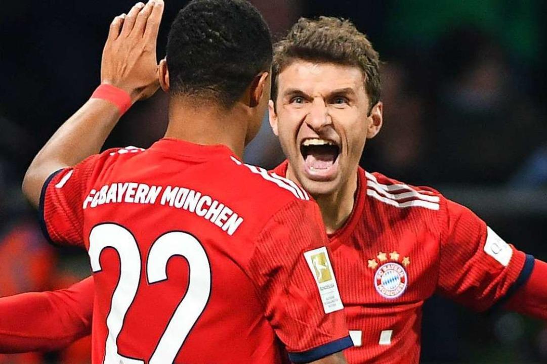 Wann können Fußballstars wie Gnabry und Müller wieder jubeln?  | Foto: David Hecker