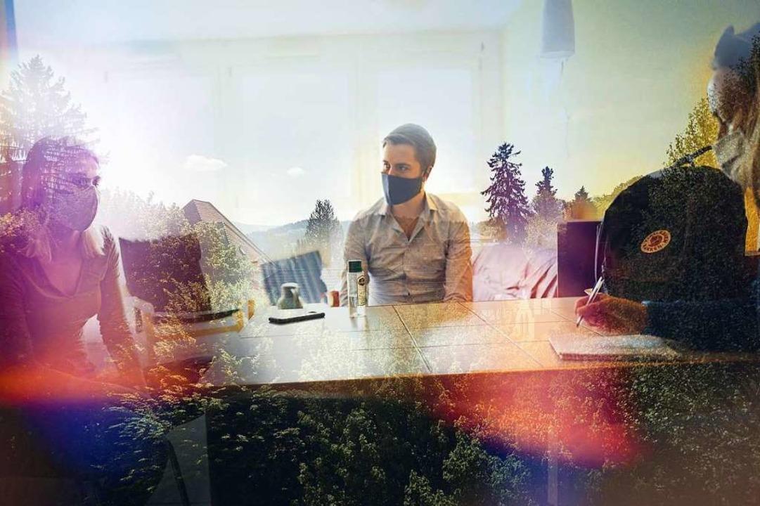 Fotograf Felix Groteloh und Redakteuri...ion – und hielten immer Abstand.  | Foto: Felix Groteloh