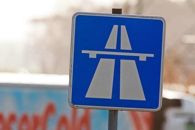 Spanischer Sattelzug brannte auf der A5 bei Lahr – Autobahn war bis Samstag gesperrt