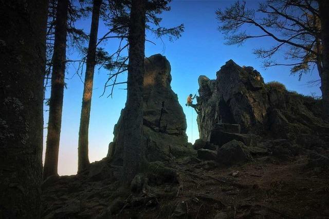 Sagenhafte Wanderrouten führen zum Gipfel des Kandel