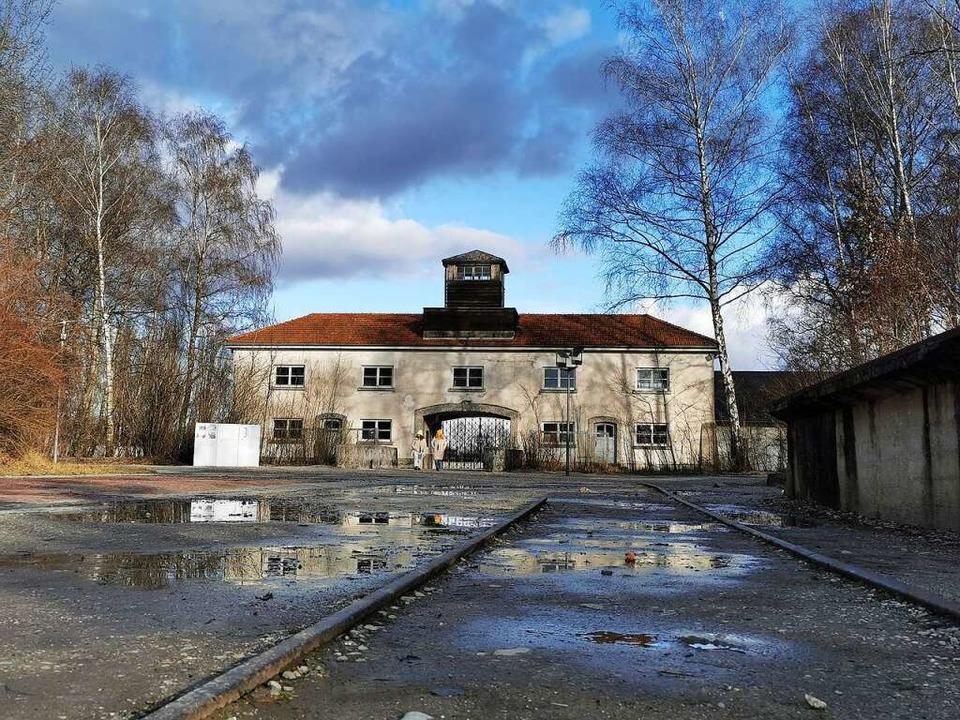 Der Weg zur Gedenkstätte führt durch d...erschollen und steht heute im Museum.     Foto: Manuela Müller
