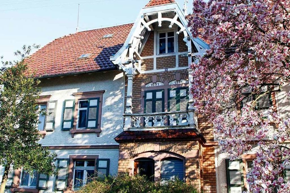 Bilder aus dem Familienalbum und aktuelle Fotos des Dreiseitenhofs mit seinem teils kunstvollen Innenausbau (Foto: Heidi Fößel)