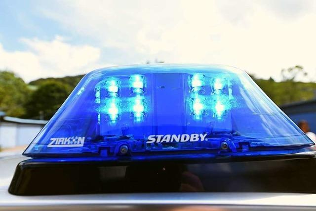 Betrunkener ohne Führerschein flieht mit geklautem Roller vor Polizei