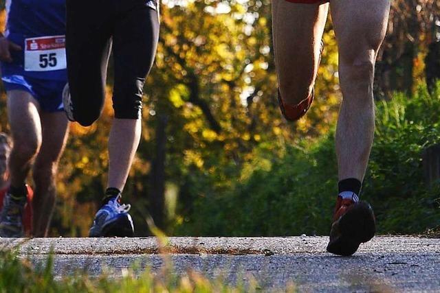 Jogger stürzt bei Mundingen – Polizei sucht Verletzten