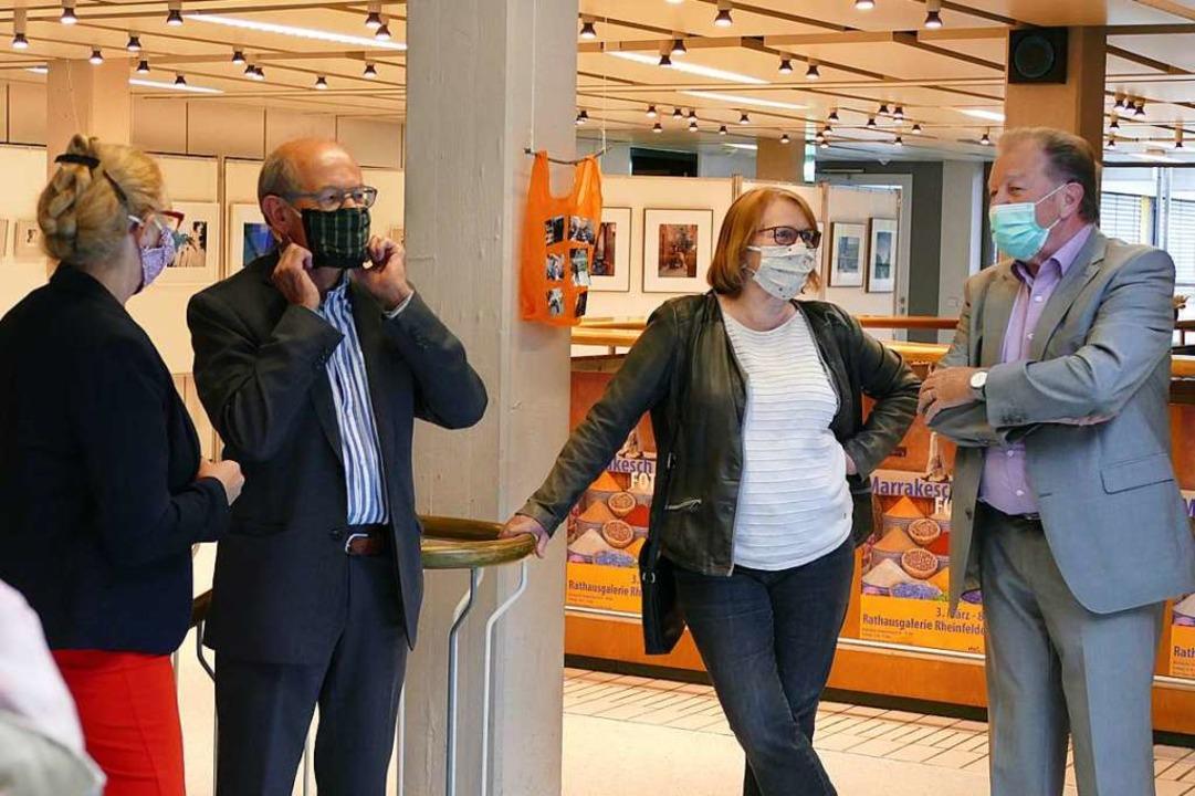 Gäste mit Masken  | Foto: Verena Pichler