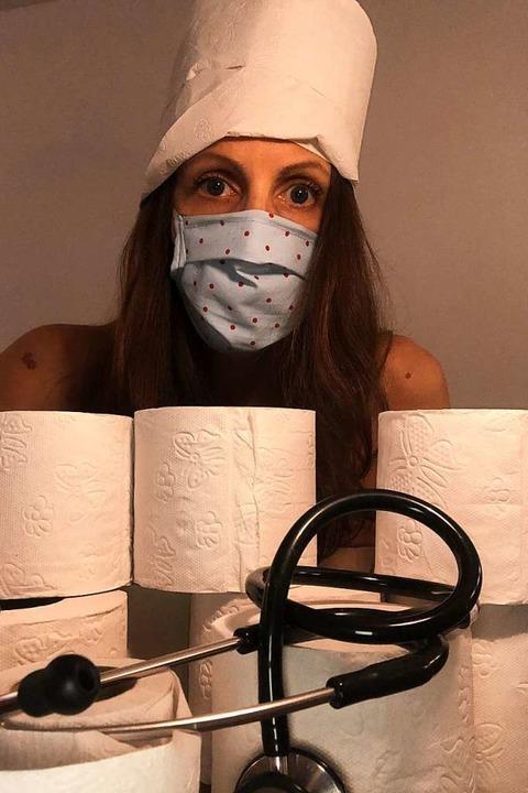 Klopapier und selbstgenähte Masken &#8...ann man keine Hausarztpraxis schützen.  | Foto: www.blankebedenken.org