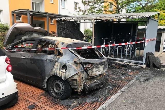 Kripo ermittelt nach Autobrand in Lörrach