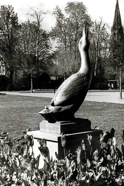 Einst stand der Erpel mitten auf der grünen Wiese...  | Foto: Archiv Hans Sigmund