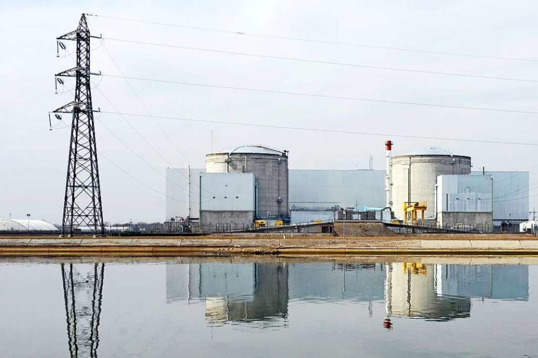 Geht bald ganz vom Netz: Das Atomkraftwerk im elsässischen Fessenheim.  | Foto: Christophe Karaba