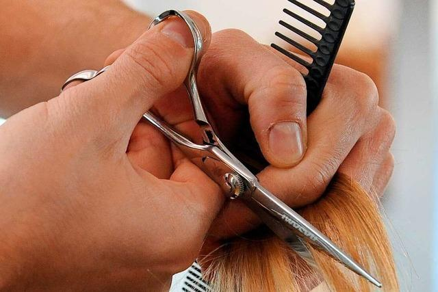 Friseure im Hexental und am Batzenberg bereiten sich auf Öffnung vor