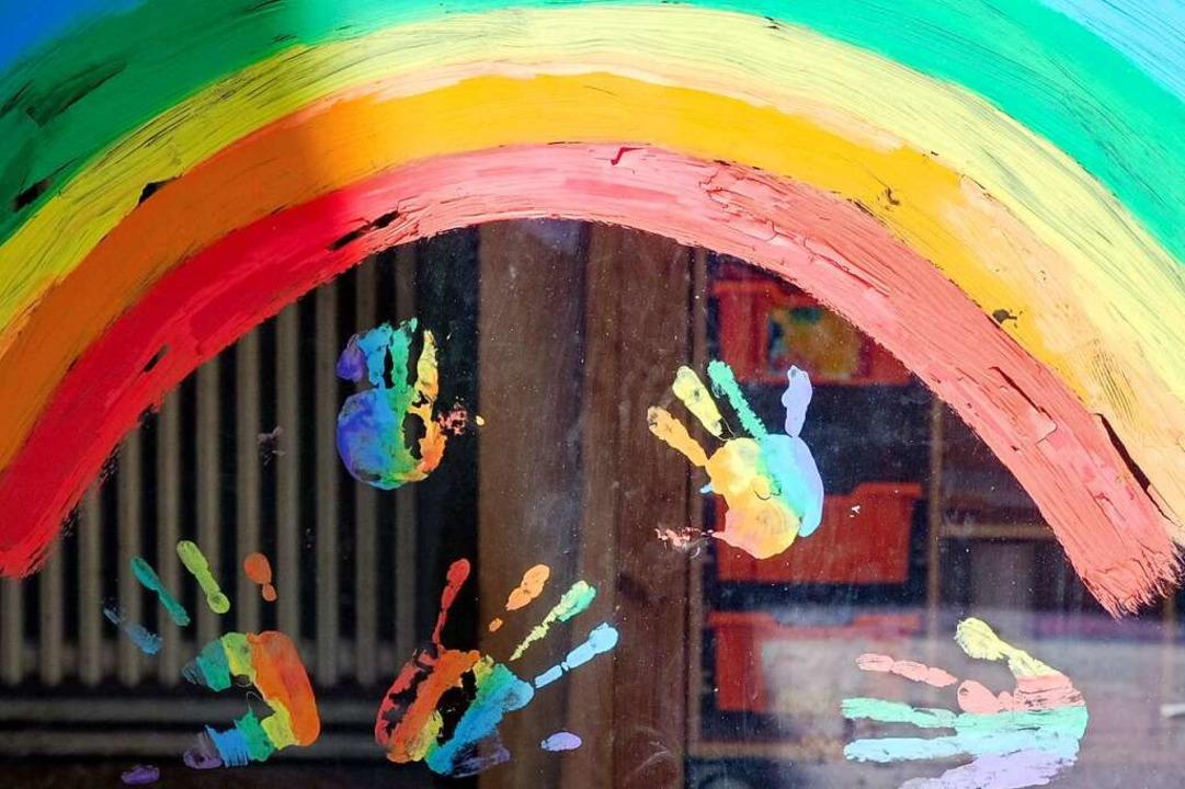 Der Regenbogen ist zum Symbol der Hoffnung in der Corona-Krise geworden.    Foto: Jens Kalaene (dpa)