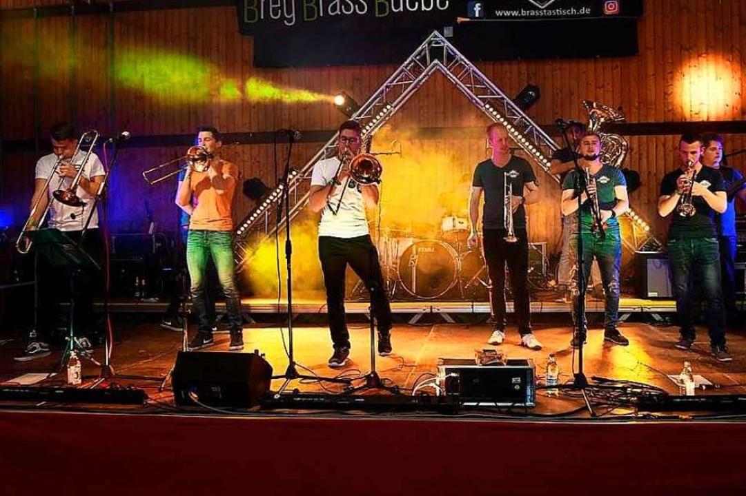 Die Band Brasstastisch bei ihrem bisher letzten  Auftritt im Oktober 2019.  | Foto: Privat