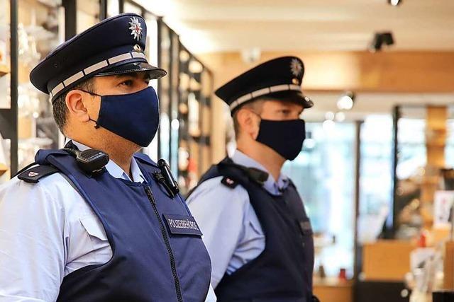 Video: Ordnungsamt kontrolliert Maskenpflicht in der Freiburger Innenstadt