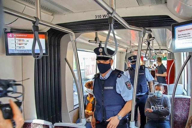 Fast alle Menschen halten sich an die neue Maskenpflicht