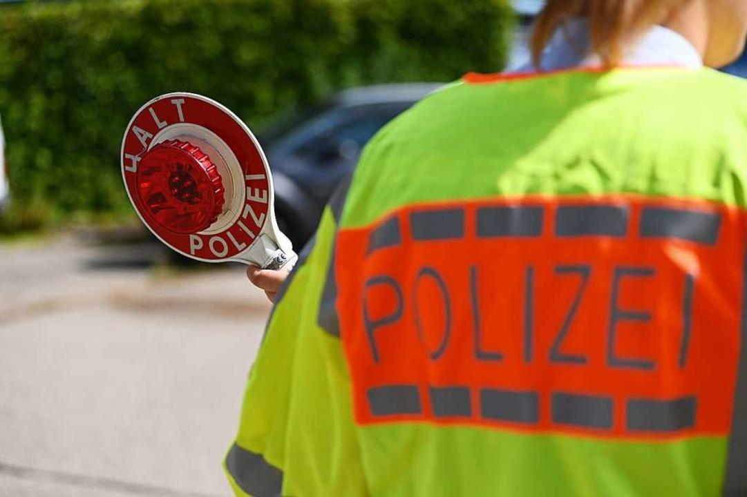 Wegen eines Unfalls musste die Polizei die B317 halbseitig sperren (Symbolfoto).    Foto: Jonas Hirt