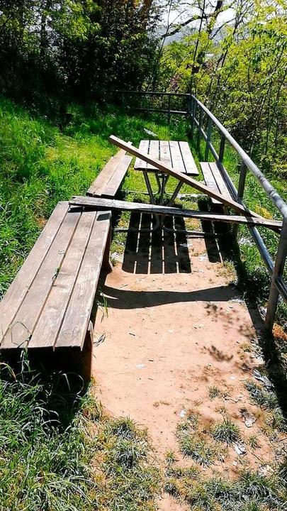 Zerstörte Sitzbank  | Foto: Stadt Lahr