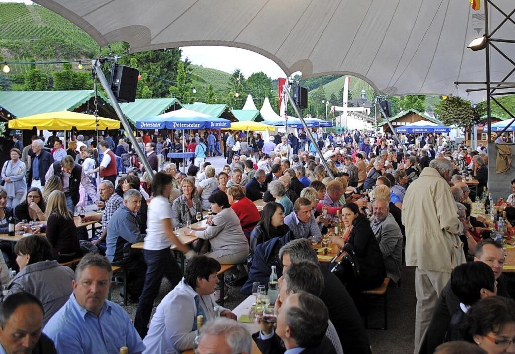 Das beliebte Durbacher Weinfest auf de... Corona-Krise dieses Jahr nicht statt.    Foto: Robert Ullmann