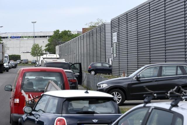 Freiburger Polizei muss Andrang am Recyclinghof St. Gabriel regeln