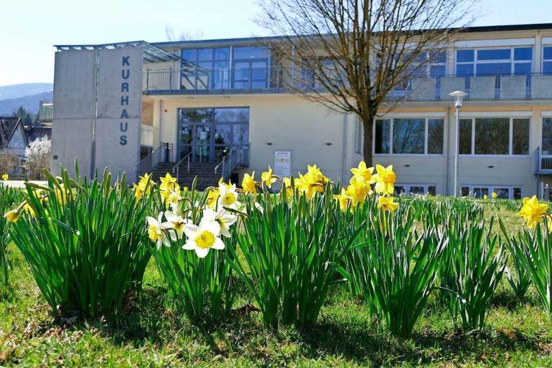 Die Gemeinde Kirchzarten hat ihr Kurhaus an die Black Forest Studios vermietet.  | Foto: Markus Donner