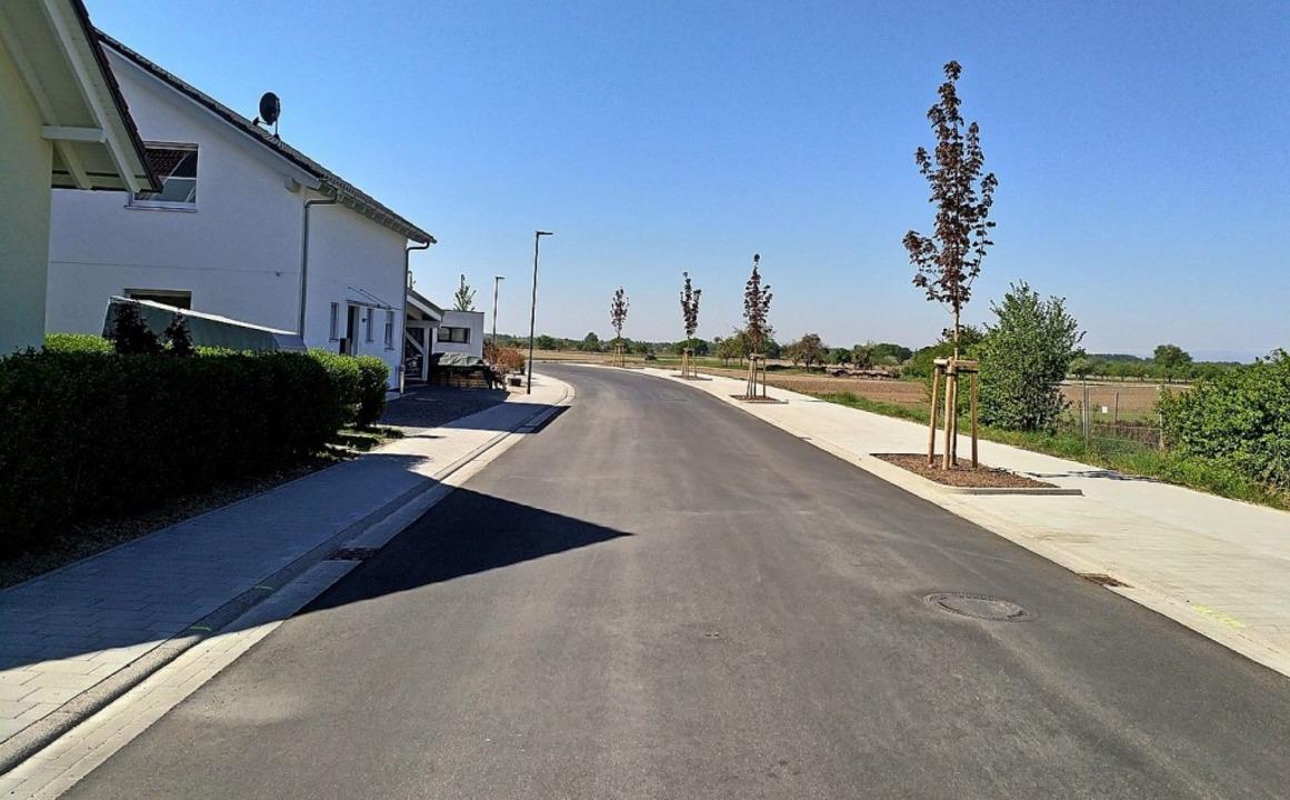 """Der erste Abschnitt der Straße """"Im Oberfeld"""" ist fertig.     Foto: Dieter Fink"""