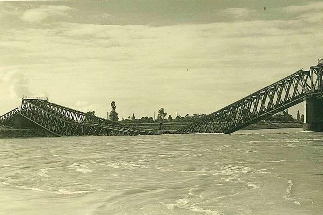 Als die Rheinbrücke Ziel von Bomberverbänden wurde